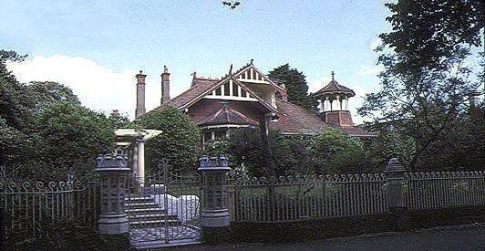 Auld Reekie National Trust House